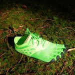 Barfusschuh auf Waldboden